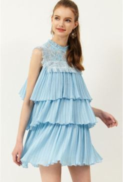 http://www.storets.com/helly-lace-pleated-dress.html